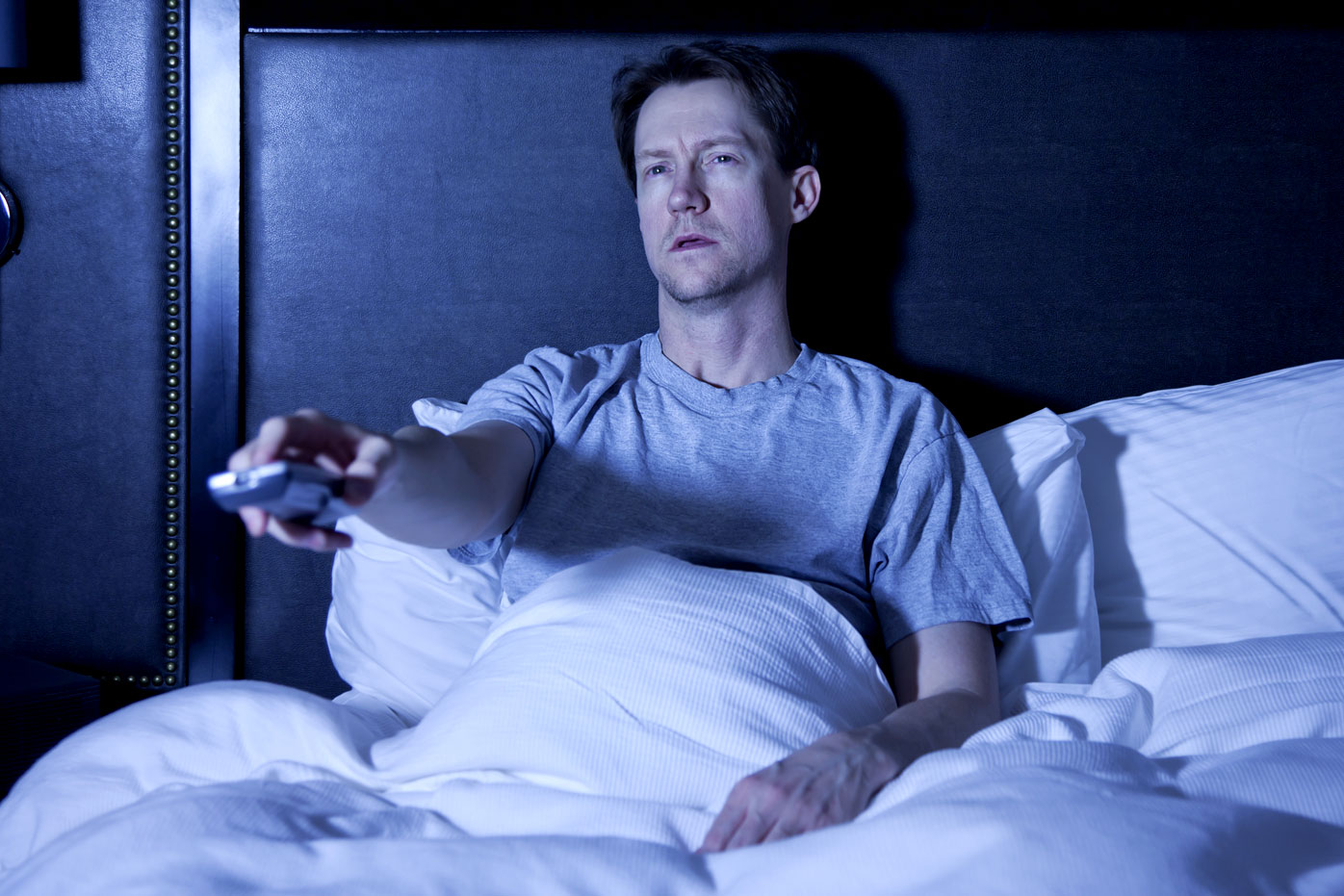 Binge-watching wrecks your sleep
