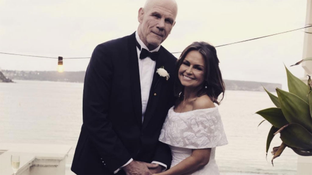 Lisa Wilkinson and Peter FitzSimons have renewed their wedding vows.(Photo: Lisa Wilkinson Instagram)