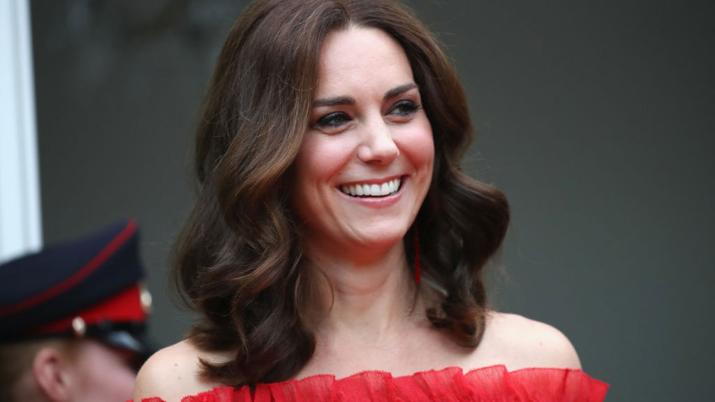Kate Middleton Shows off Growing Baby Bump
