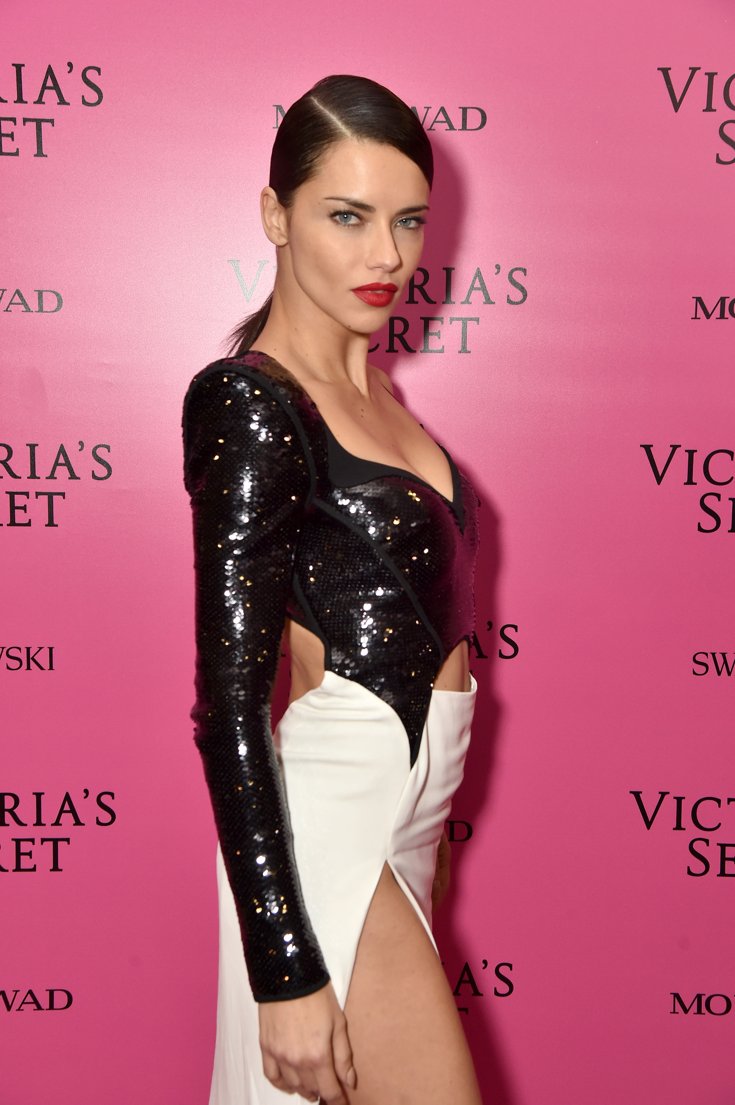 <p>The sequins have settled on the runway extravaganza that was the 2017 Victoria's Secrets fashion show.<br /> <br /> Shanghai played host to the Olympics of fashion that saw 60 top models slip into sky-high stilettos and diamond-encrusted wings to strut their stuff for the world's leading lingerie company.</p> <p>When it comes to the show's after party the models-of-the-moment slipped out of their lingerie and into slinky designer attire that left little to the imagination.</p> <p>Adriana Lima rocked a fitted look from Mugler, Bella Hadid went for a racy red gown from Alexandre Vauthier and Karlie Kloss and Romee Strijd donned sequinned mini-dresses, proving the wisdom behind the old adage: If you've got it, flaunt it.</p> <p> And that they all really, really did.</p> <p>Click through to see the best dressed models from the 2017 Victoria's Secret After Party</p>
