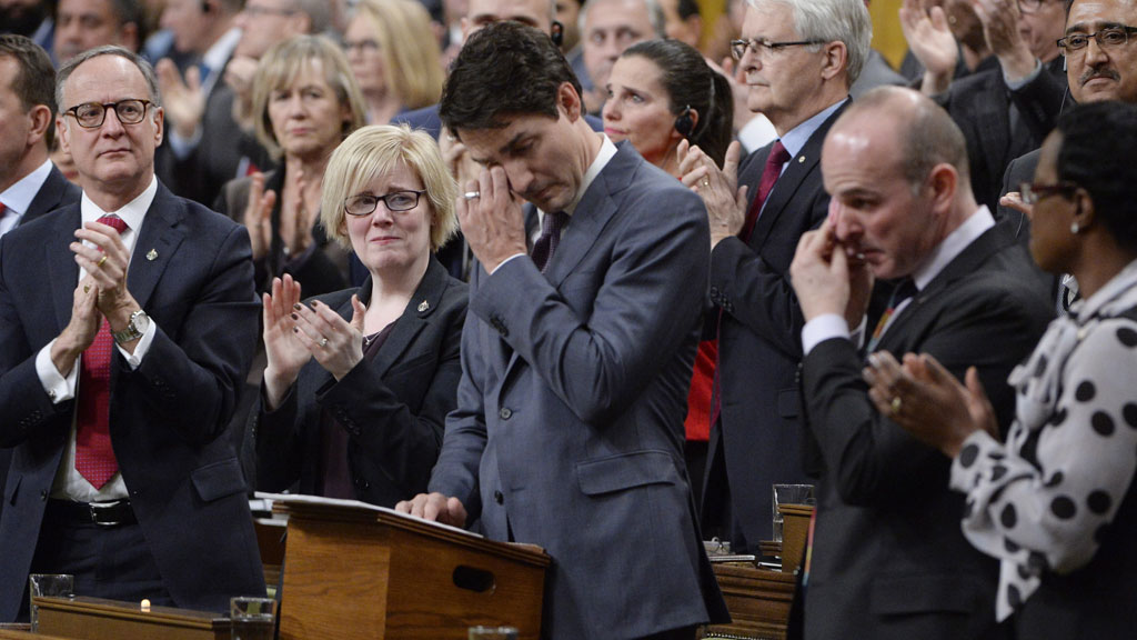 Justin Trudeau delivers formal apology to Canada'sLGBTQ2 community, November 2017