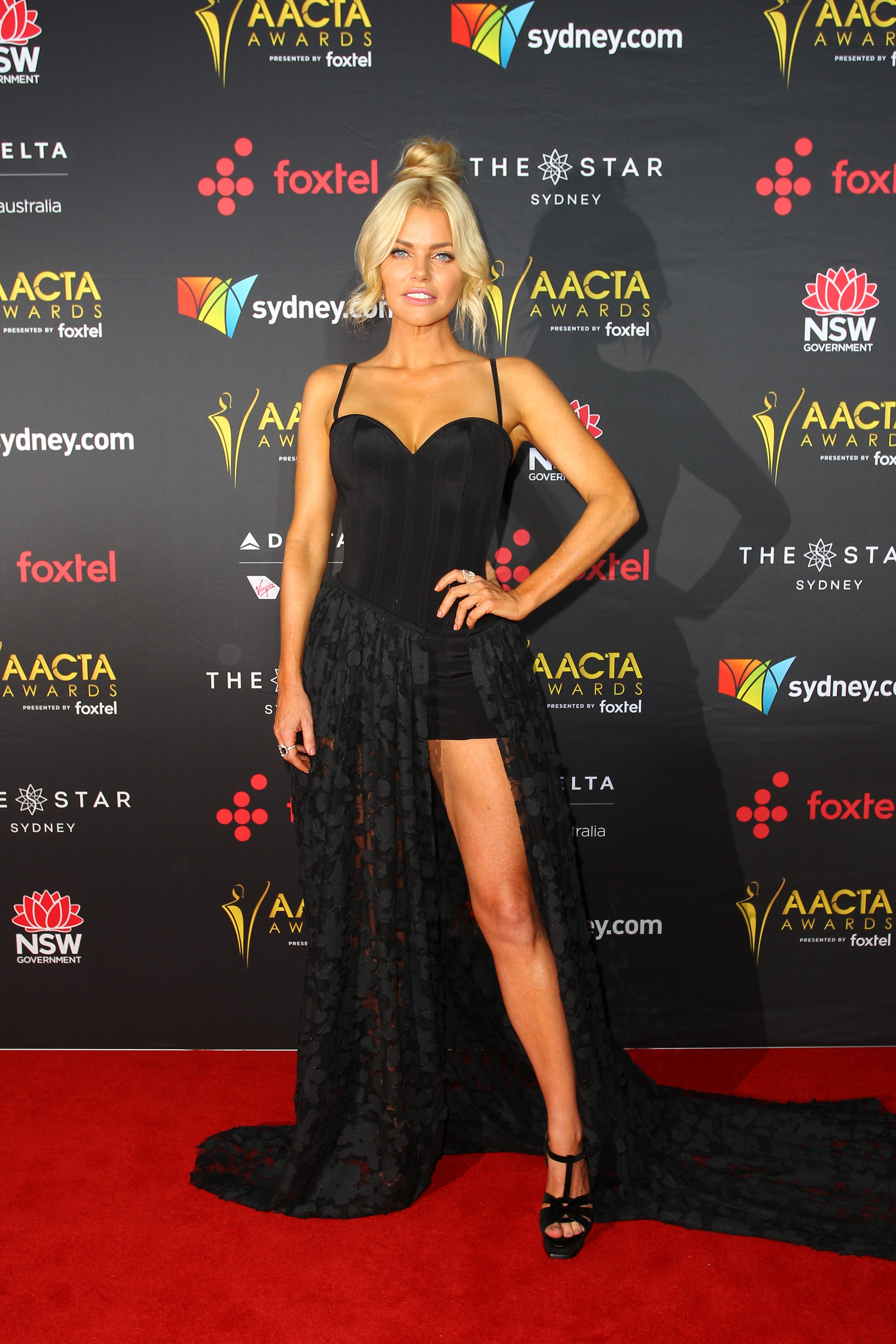 "<p>Sophie Monk tried the favourite move of Hollywood's A-list with mixed results on the red carpet for last night's AACTA Awards.</p> <p>The gown by South Yarra dressmakers Oglia Loro Couture was vaguely reminiscent of Angelina Jolie's fabled 2012 Oscar appearance in Versace, where the leg of the former Mrs Pitt gained its own Twitter handle.</p> <p>While Monk nailed the pose, captioning her Instagram post with ""Lucky I shaved the left leg,"" the finish of the dress is not quite up there with Atelier Versace. </p> <p>Here's some inspiration from Jolie, Nicole Kidman, and Jennifers Lopez and Aniston on how to nail the paparazzi pose in style.</p>"