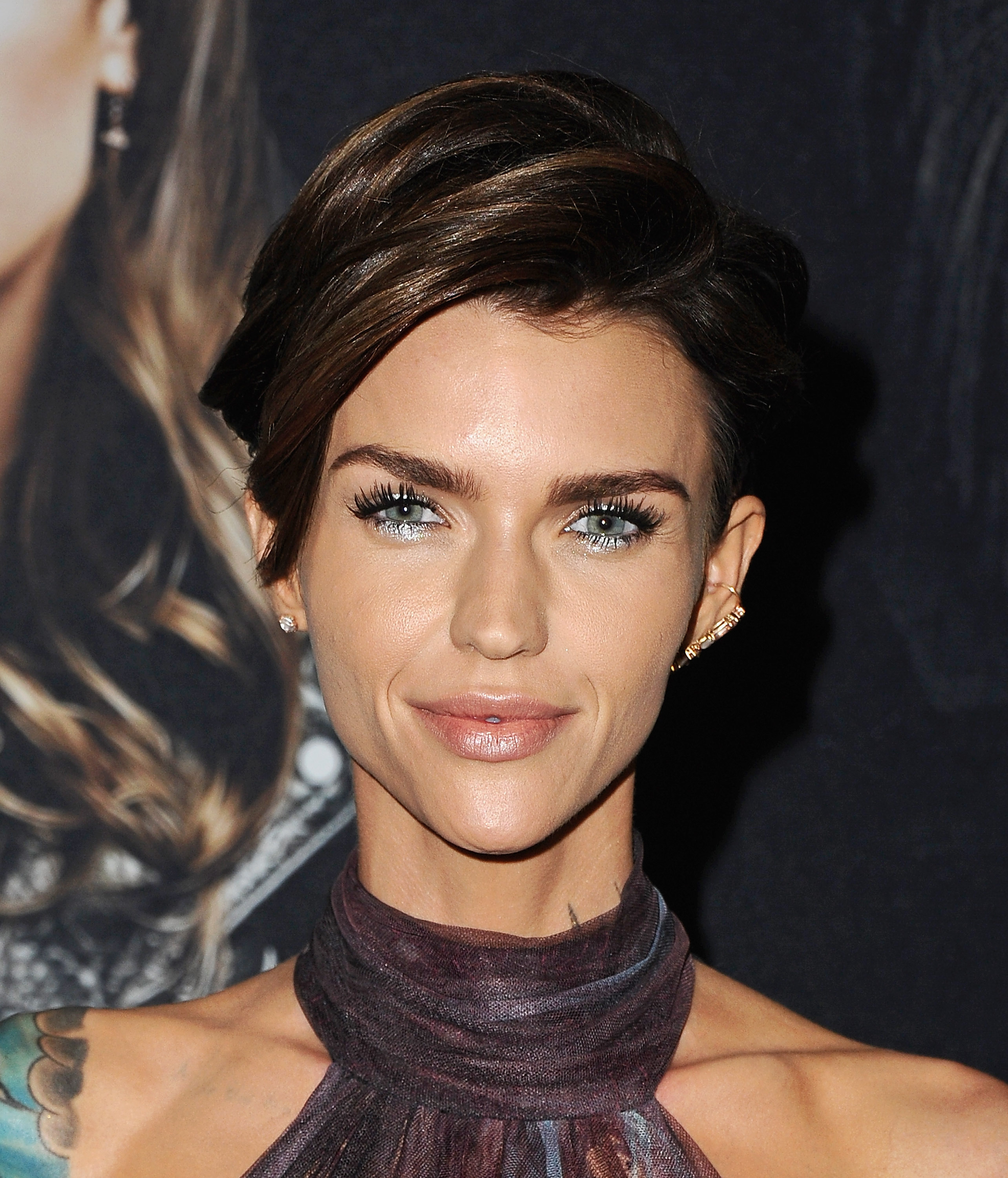 "Leave it to <a href=""https://style.nine.com.au/ruby-rose"" target=""_blank"">Ruby Rose</a> to change up the beauty rules when it comes to festive holiday looks.<br /> <br /> Proving that you don't need a red lip and smokey eye to make a splash, the Australian model played it cool on the red carpet at the Hollywood premiere of <em>Pitch Perfect 3 </em>with a metallic, silver frosted eye. <br /> <br /> The look showed us just how to indulge in the seasonal makeup festivities.<br /> <br /> <a href=""https://www.instagram.com/missjobaker/?hl=en"" target=""_blank"">Celebrity makeup artist Jo Baker</a> was behind the look and pulled an eyeliner and mascara from Urban Decay from her beauty bag to create Rose's frosty aesthetic. <br /> <br /> ""A frosty bright metallic silver splash on her centre lid and the same sparkly silver right below the lash line smudged in for a seasonal nod,"" Baker explained to <em><a href=""http://www.instyle.com/beauty/makeup/ruby-rose-silver-eye-makeup"" target=""_blank"">US Instyle.</a></em><br /> <br /> ""Lashes were sootied up and brows perfected with a buff nude lip."" <br /> <br /> Christmas is almost upon us, which means one thing: party season. Love, it or loathe it, it's inescapable. And you'll need a go-to beauty look that will stand out.<br /> <br /> Take a leaf out of Ruby's beauty book with our pick of ten chic silver eye-shadows."
