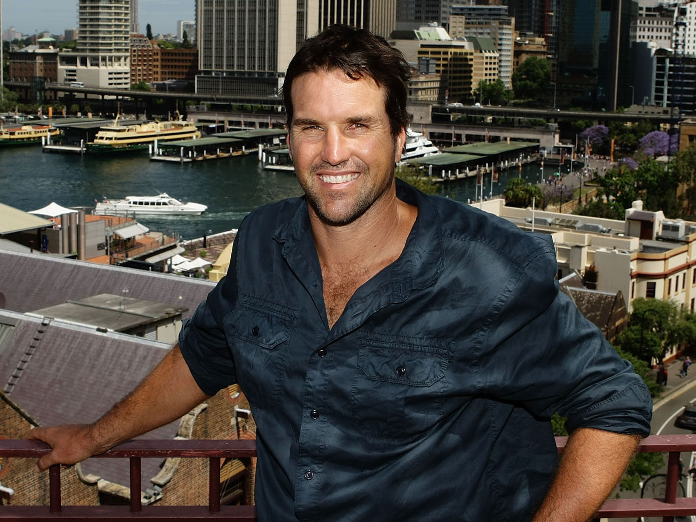 Tennis star Pat Rafter has sold his $18m home in Noosa, making more on the home than he has in his entire sports career. The former world number one has his career earnings listed at almost $14m...and his tidy $4m profit is not to be sniffed at!