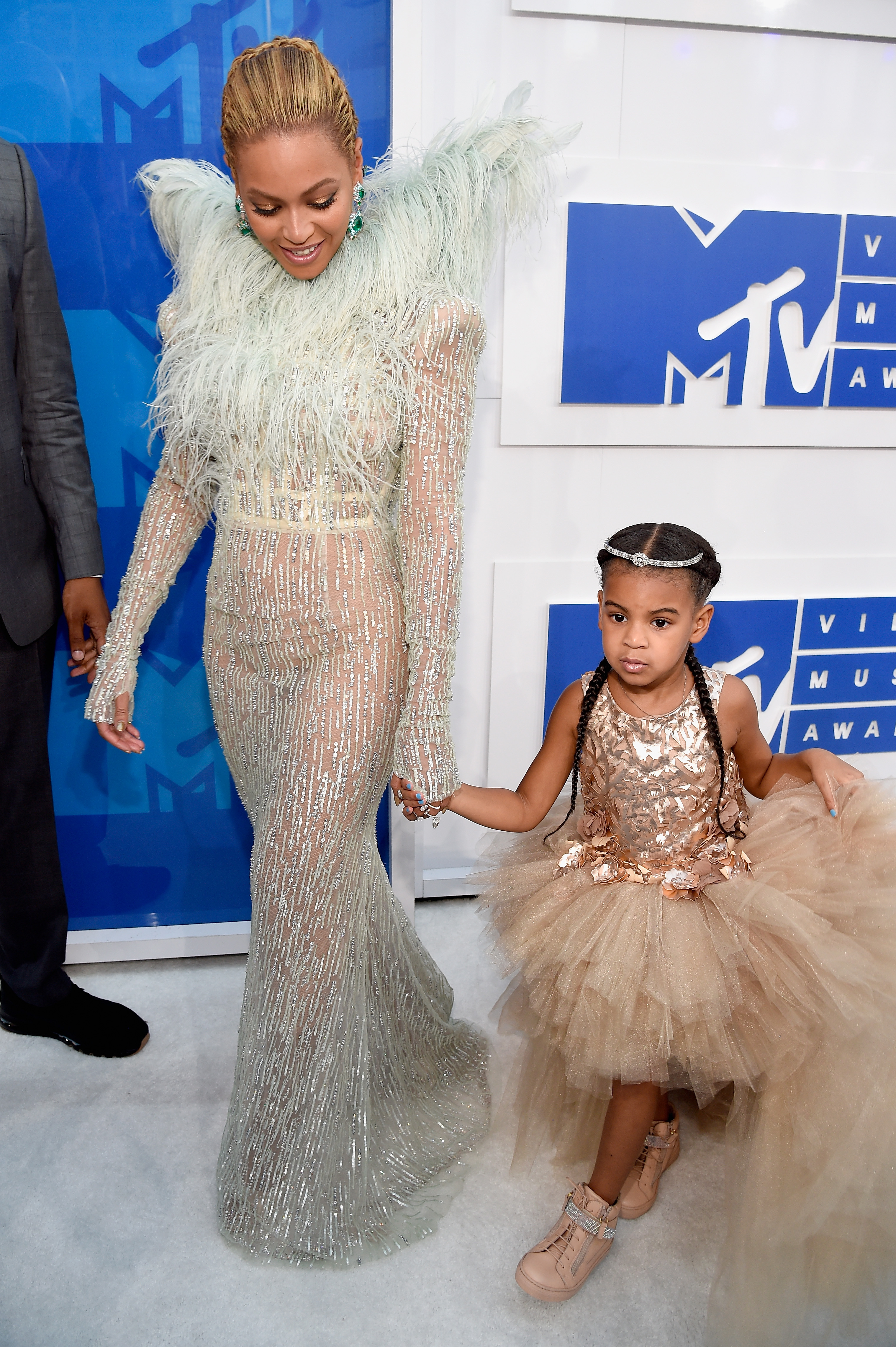 "<p>Beyoncé's daughter <a href=""https://style.nine.com.au/2018/03/19/09/29/beyonce-blue-ivy-wearable-gala-clothes-fashion"" target=""_blank"" draggable=""false"">Blue Ivy</a> is way cooler than any of us. That's a fact. </p> <p>When I was six years-old I wore hand-me-downs from my sisters and knew no different, but the daughter of Beyoncé and Jay Z will be having none of that. </p> <p>While<a href=""https://style.nine.com.au/2018/01/29/09/09/jay-z-beyonce-grammy-awards-outfits-fashion"" target=""_blank"" draggable=""false""> Beyoncé </a>herself has her own stylist, Marni Senofonte, she recently revealed her mini-me also has her own dedicated stylist and personal shopper.</p> <p>And who would expect anything less from the daughter of musical royalty?</p> <p>Queen Bey has enlisted the help of stylist <a href=""https://www.instagram.com/mmanuelamendez/?hl=en"" target=""_blank"">Manuel A. Mendez</a> to act as curator of Blue Ivy's wardrobe, and he's the genius behind  some of her most epic looks. </p> <p>At the 2017 Grammy Awards he chose a pink Gucci suit complete with a pink glitter clutch for Blue Ivy  - because that's the stuff little girl's dreams are made of. </p> <p>And more recently, Blue Ivy rocked a custom gold feathered dress and headpiece from Annakiki to attend the Wearable Art Gala last month in New York.</p> <p>Take a look at some of Mendez's standout Blue Ivy looks.</p>"