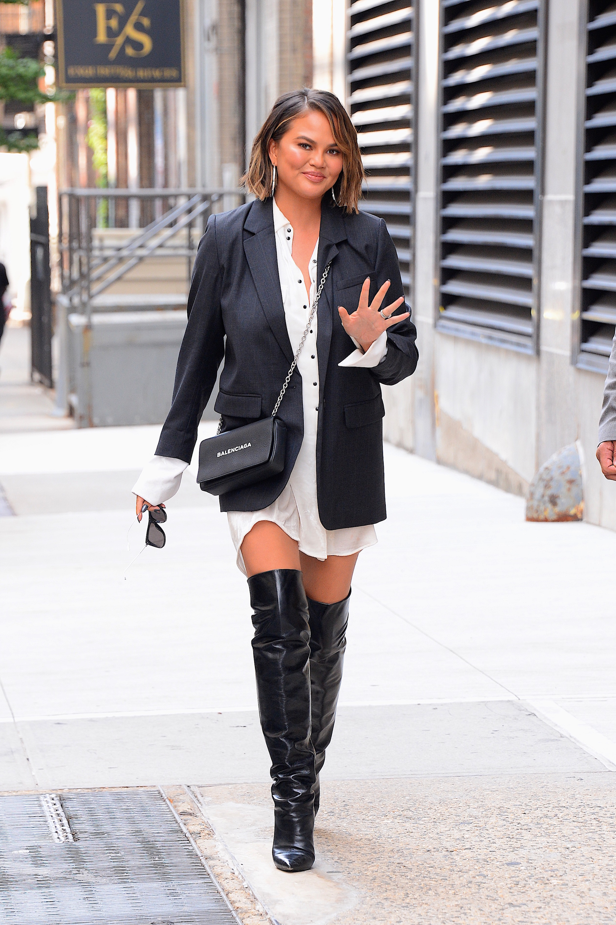 437cf1c8dcc528 Chrissy Teigen pulled a Blake lively and wore three outfits in one day