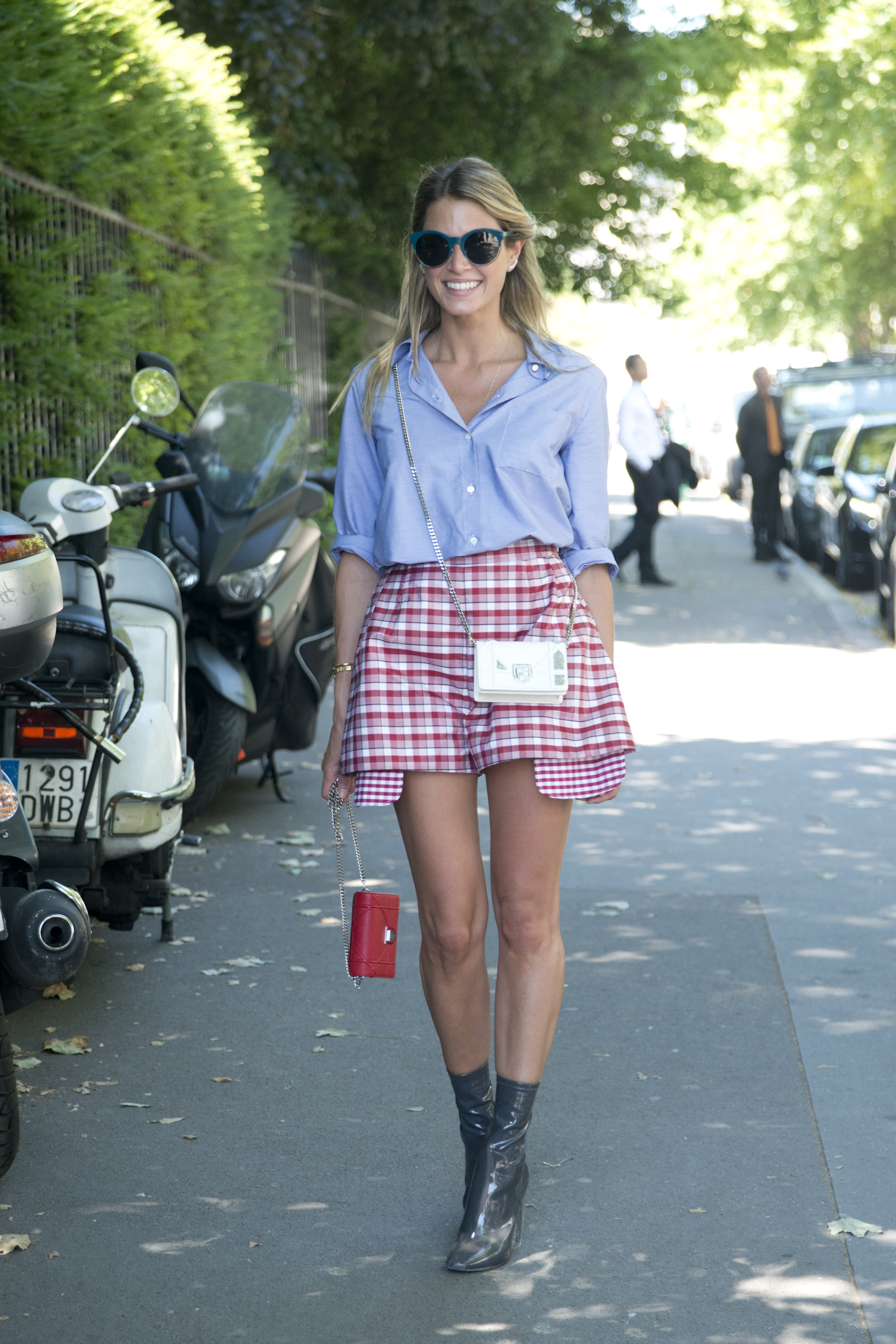 <p>Want some print in your wardrobe this Spring but not a fanof the bold florals on offer? Take inspiratrion from these street stylers whoprove that checks, plaids and tartans in every shape and form make for an idealseasonal alternative.</p>