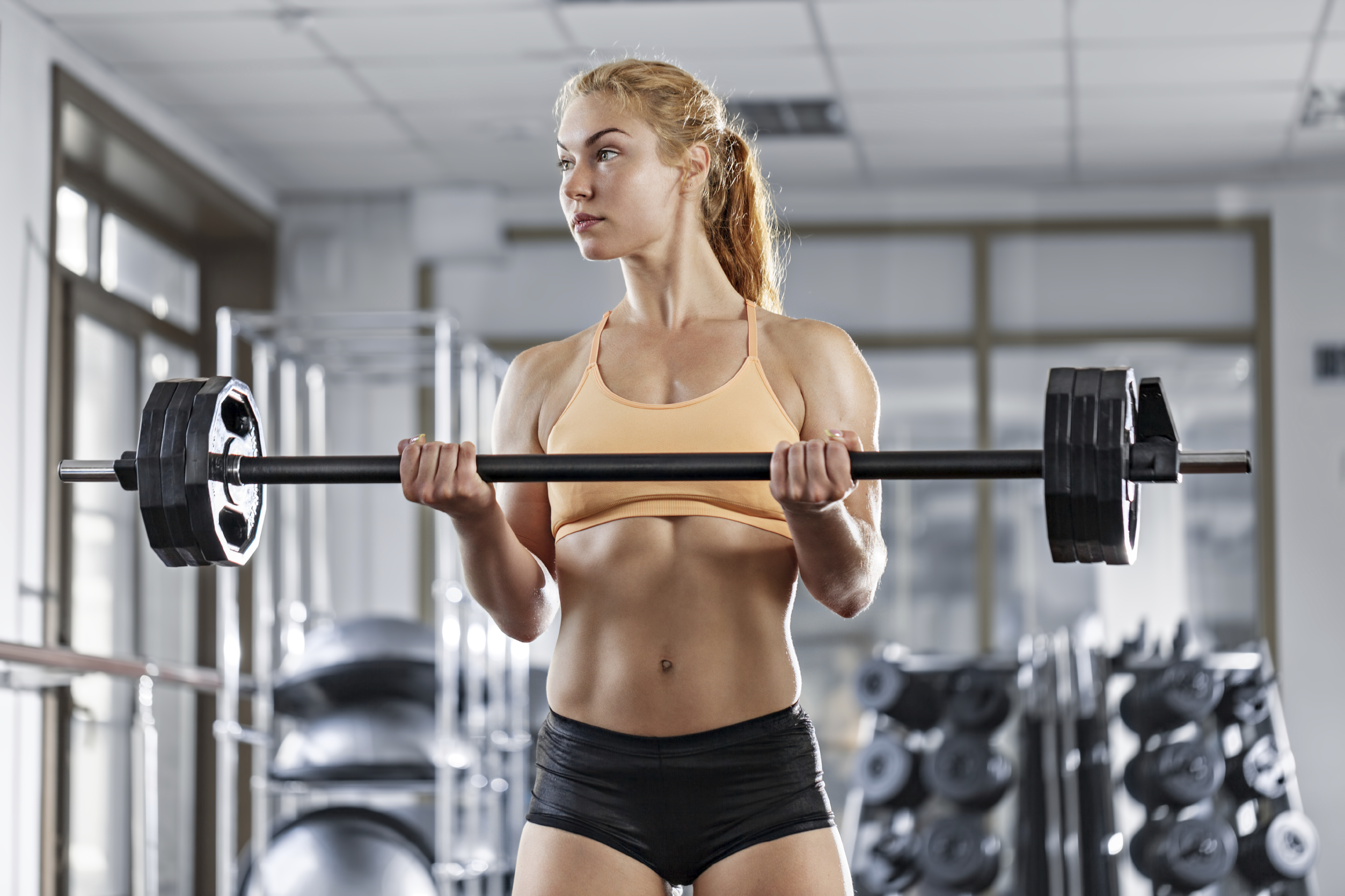 <strong>Barbell curls</strong>