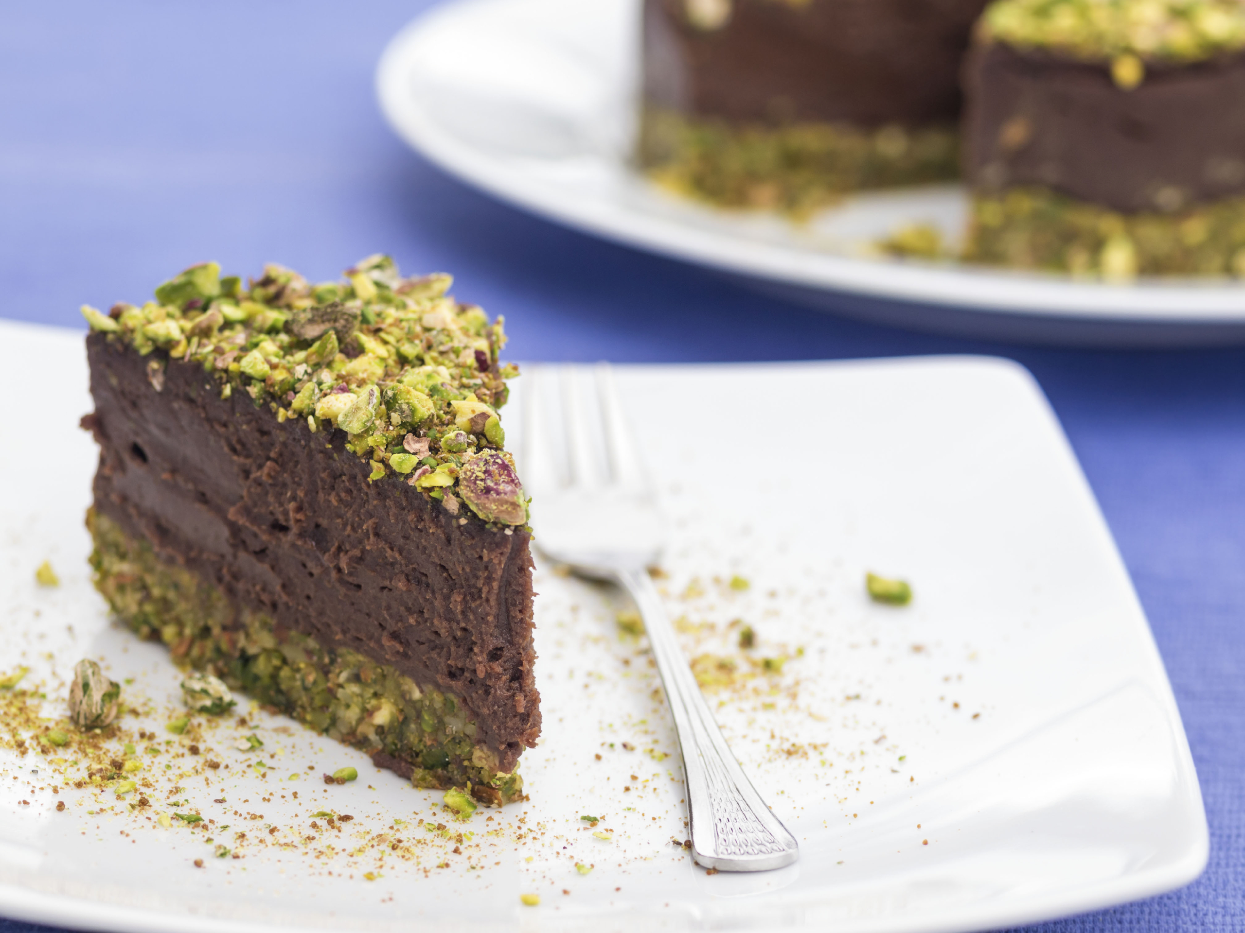 <strong>Make a chocolate cake using avocado</strong>