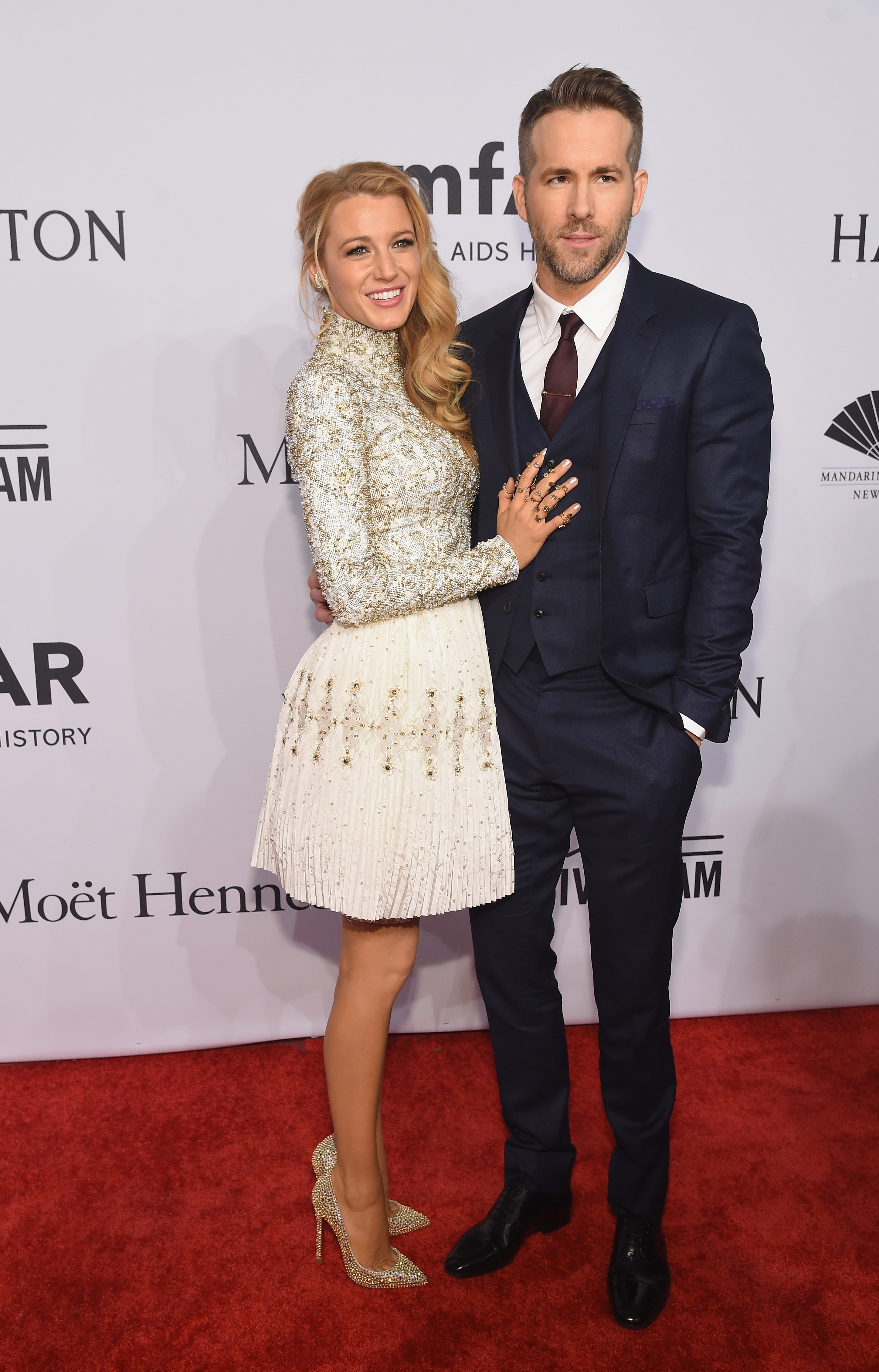 <p>Serving as the official start to New York Fashion Week, the amfAR Gala drew a very chic crowd of models, actresses and style icons to New York's Wall Street.</p><p>If these red carpet gowns are any indication of what will be on the runways, autumn/winter 2016 is set to be one hot season. </p>