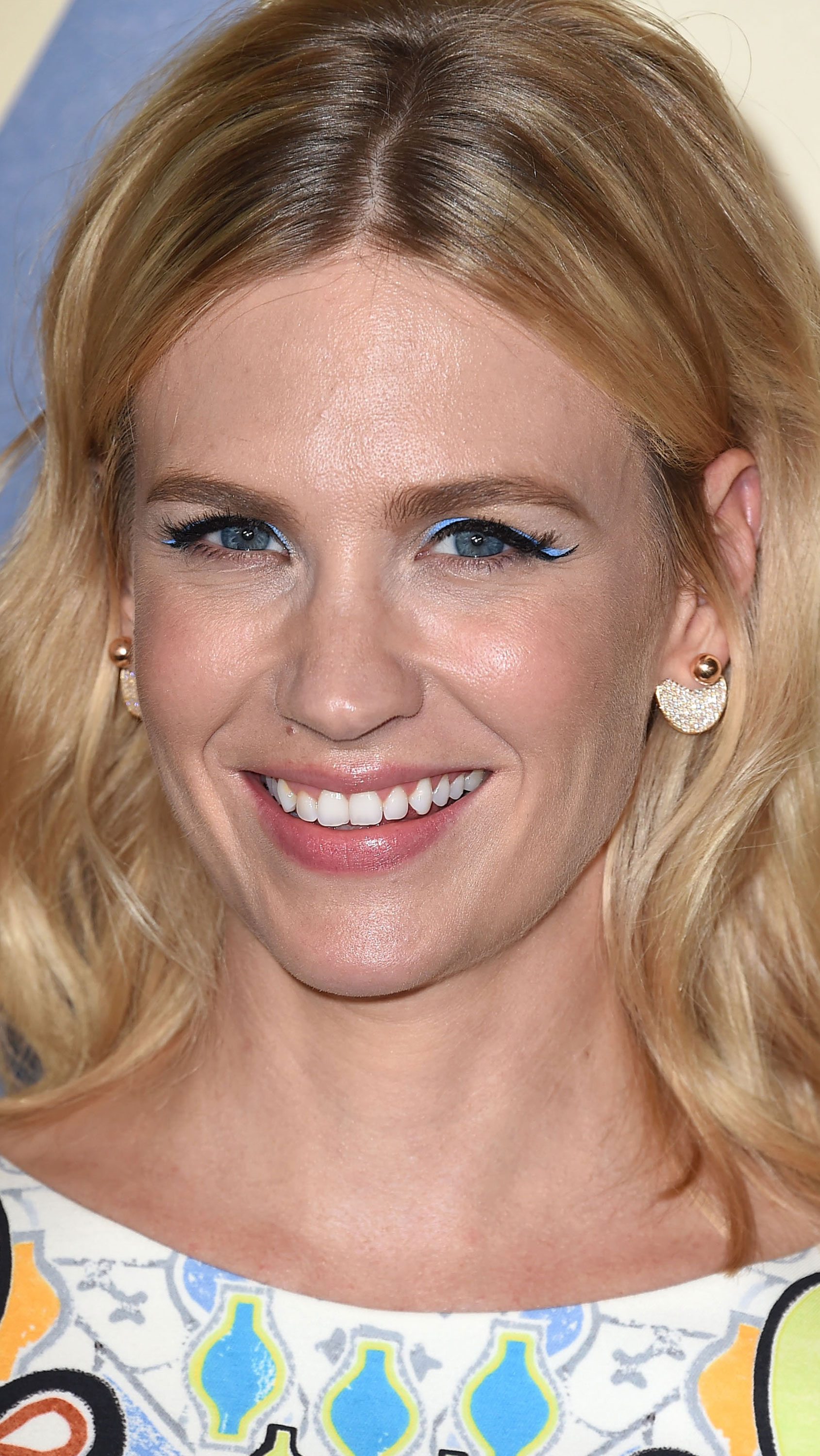 <p>One key look from the Fall 2015 runways was colourful lids - a trend that's as tricky as it is beautiful. For all those who want to play along at home, we've found your muse: actress January Jones, who worked the trend with wearable glee over the weekend. Instead of creating a standard black winged eye, she also lined the flick an electric blue. The result will have you reaching for some colour, so we've rounded up 19 far-from-boring shades to help you in your search.</p>
