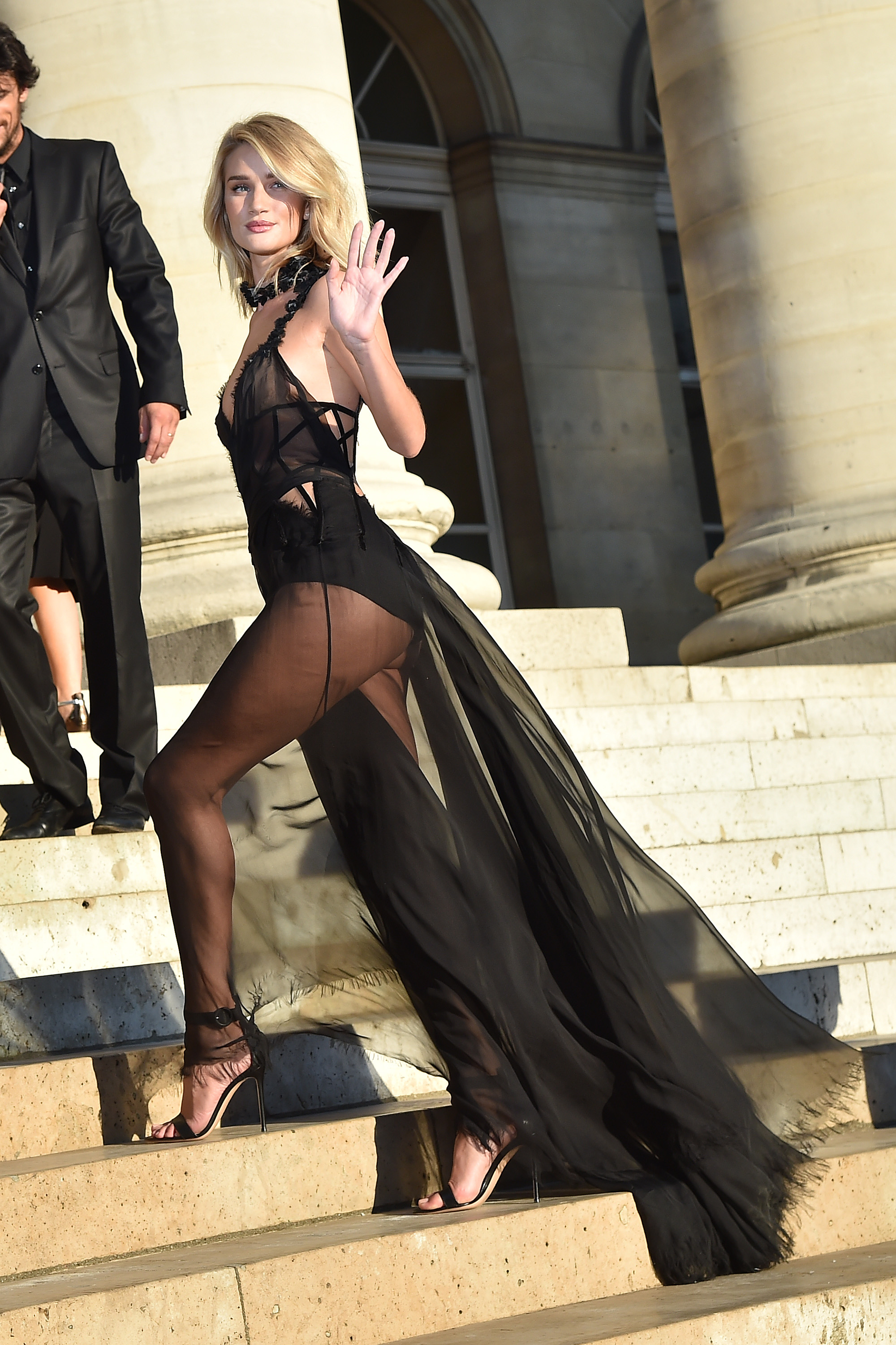 <p>Haute Couture Fashion Week kicks off in Paris with the fash pack attending the Versace Atelier show. In true Versace form, the show was a grand spectacle with a runway made up of 26,000 orchids and line-up of the world's top supers. The front row was equally impressive with 'wow' moments aplenty. Click through to check out what everyone wore.  </p>