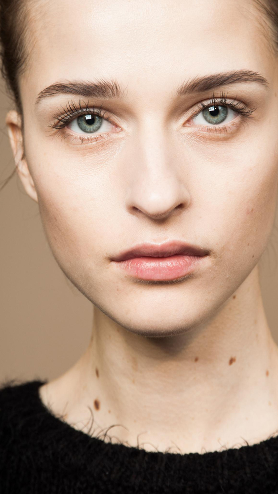 <p>Facial wipes have come a long way in recent years. Nowadays, these hardworking wipes and pads not only remove make-up but cleanse skin, exfoliate and help protect against premature ageing. Here are 14 facial wipes we'll swipe right to.  </p>
