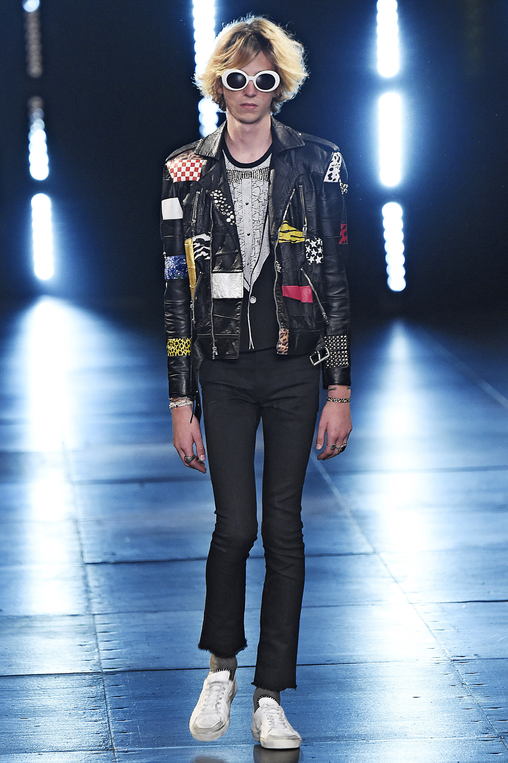 <p>Surf culture met Hedi Slimane's disorderly strain of rock 'n' roll (with a nod to Kurt Cobain) in Saint Laurent's Spring 2016 Menswear collection. Slimane's muse, musician Julia Cumming, took to the runway, as did Dylan Brosnan (son of actor Pierce Brosnan) and Charlie Oldman (son of Gary Oldman). Meanwhile, Jane Birkin, Azzedine Alaïa, Betty Catroux and Salma Hayak Pinault watched from the front row. We're just hoping chivalry lives on with the Saint Laurent man, because we want to borrow his jackets.</p><div> </div>