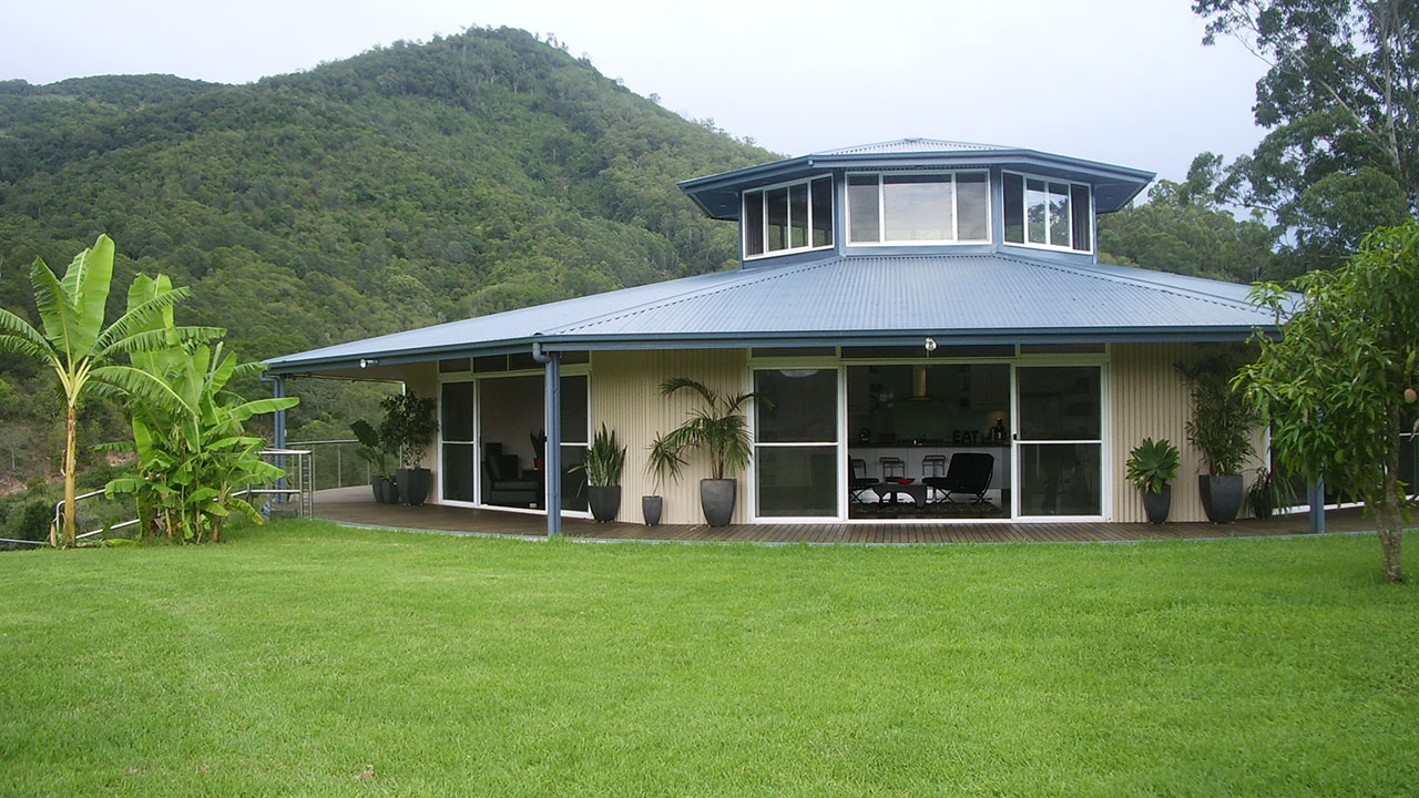 Uncategorized Everingham Rotating House rotating house caffreys flat nsw unreal estate extras season 1 luke everingham was inspired by his engineer father to build a in country new south wales