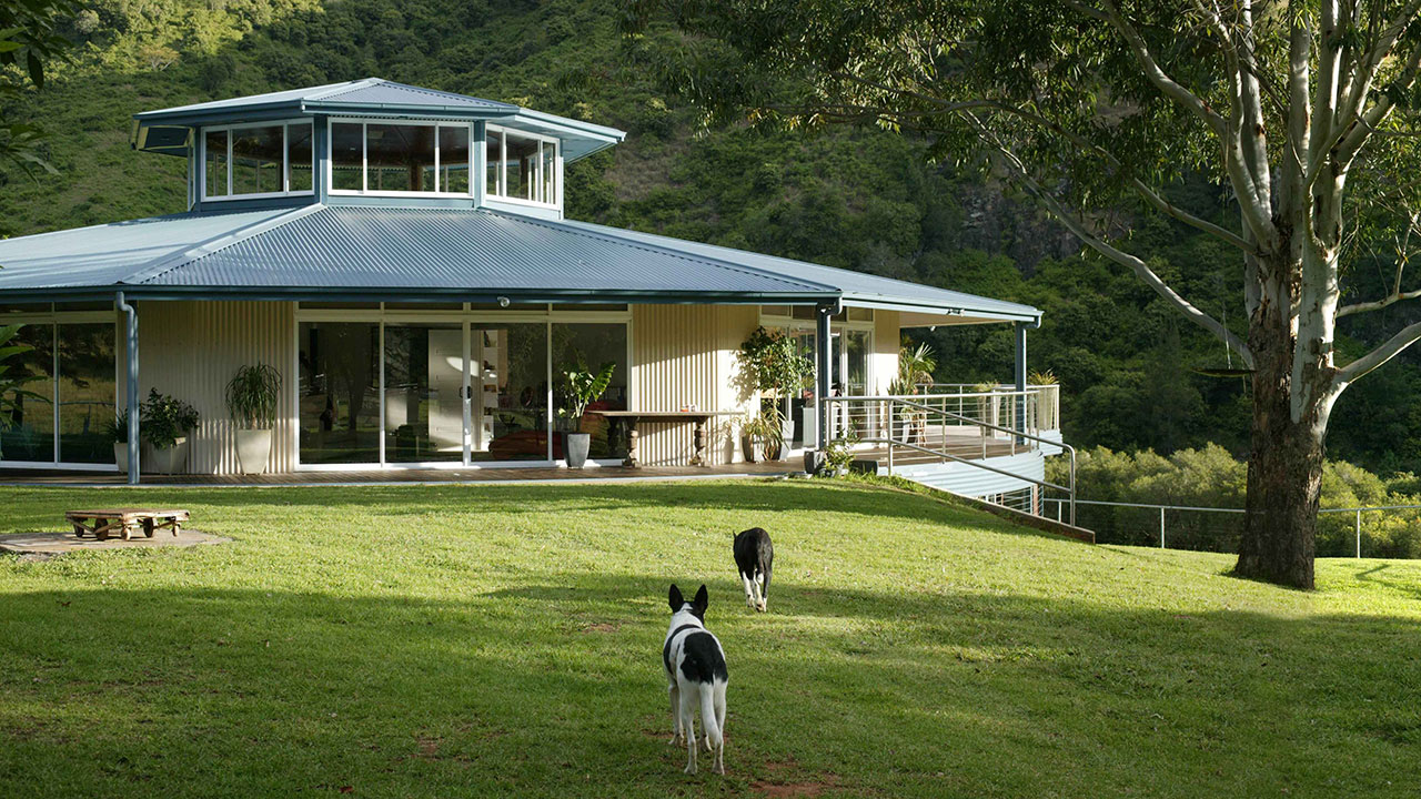 Uncategorized Everingham Rotating House rotating house caffreys flat nsw unreal estate extras season 1 and none of his visitors have ever suffered from motion sickness