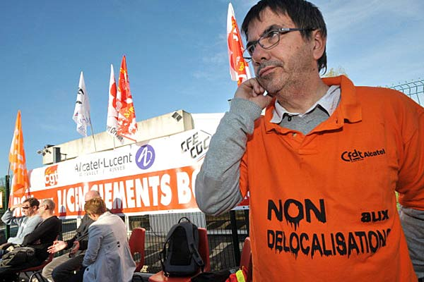 Alcatel employees protesting in France