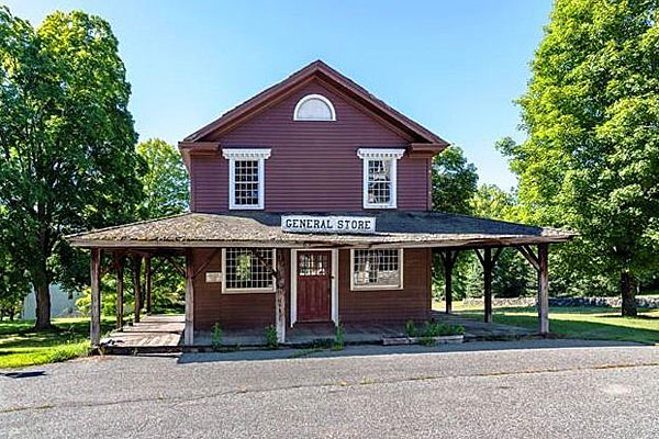 Ghost town's general store. Source: RM Bradley.