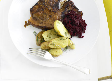 Spiced pork chops with beetroot relish
