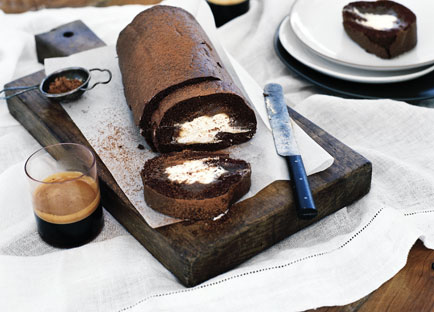 Chocolate rolled sponge with chestnut cream