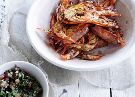 Barbecued prawns with pico di gallo