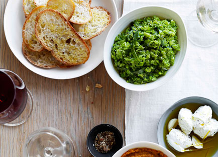 Crushed broad beans with garlic and lemon crostini
