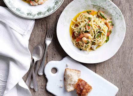Spaghetti con pesce d'acqua dolce (spaghetti with freshwater fish)