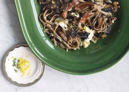 Mushroom, ricotta and thyme with farro linguine