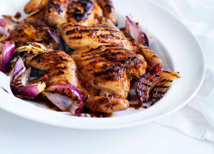 Piri piri chicken with tomato and onion salad