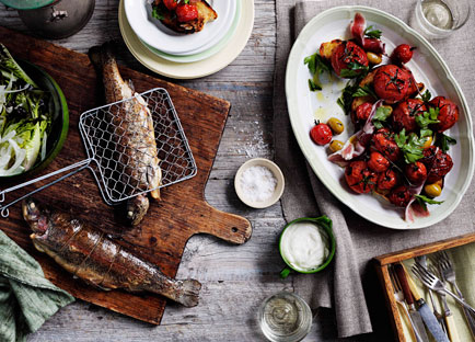 Wood-smoked tomatoes, jamón, grilled bread and olive salad