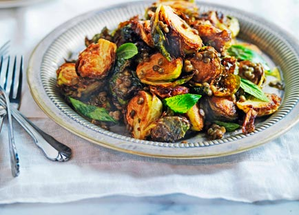 Crisp Brussels sprouts with lentils