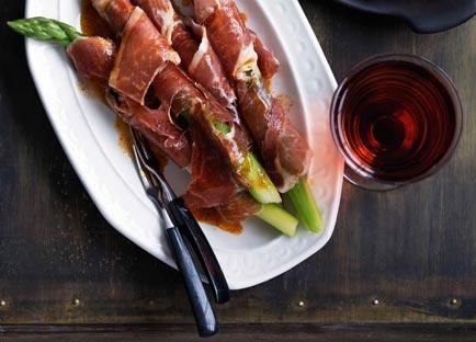 Asparagus and jamon