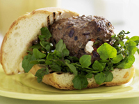 Goat's cheese burgers with watercress salad