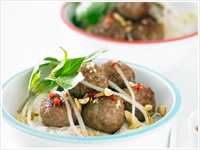 Pork meatballs with rice vermicelli