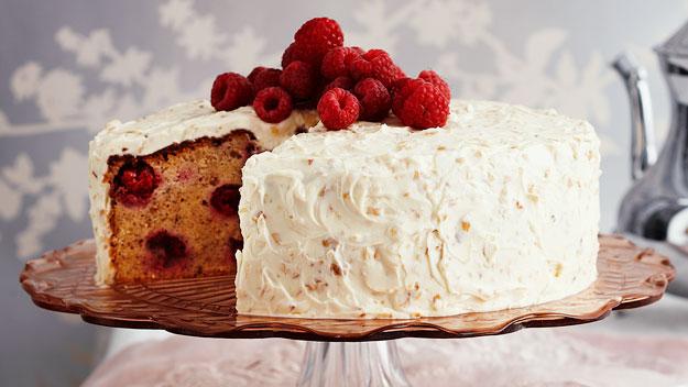 Raspberry hazelnut cake