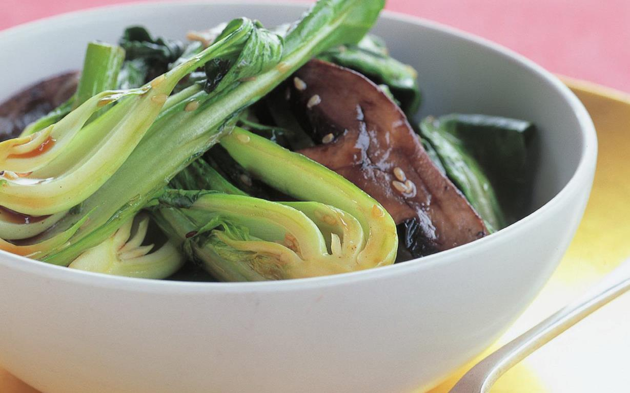Wok-tossed greens with oyster sauce
