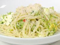Zucchini, chilli and ricotta pasta