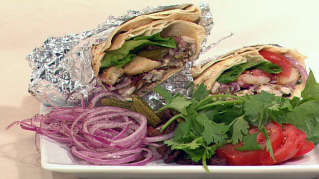Chicken shawarma with garlic sauce