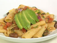 Rigatoni with tomato and avocado