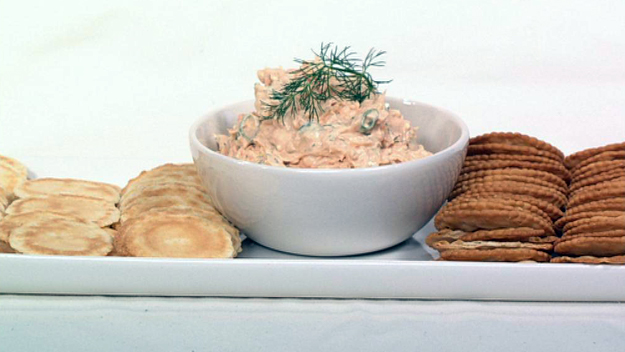Lemon and dill salmon dip