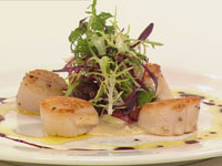 Seared Scallops with chorizo, Jerusalem artichoke and cabernet reduction