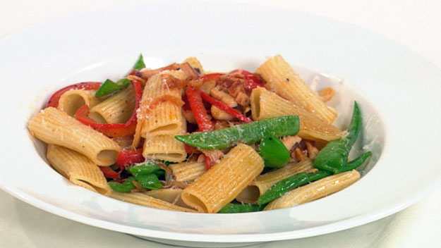 Smoked chicken snowpea rigatoni