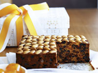 Rich fruit cake