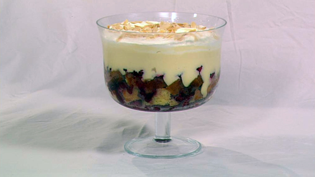 Traditional trifle