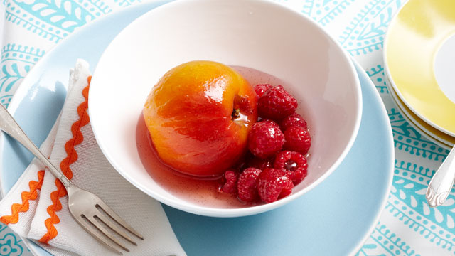 Poached peaches, raspberries & cream