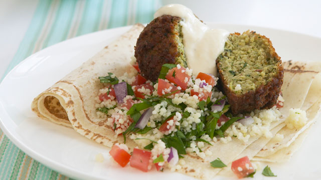 Tabouli couscous with falafel