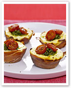 Tomato tarts with pesto