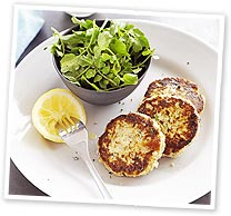 Tuna patties with watercress salad and garlic mayonnaise