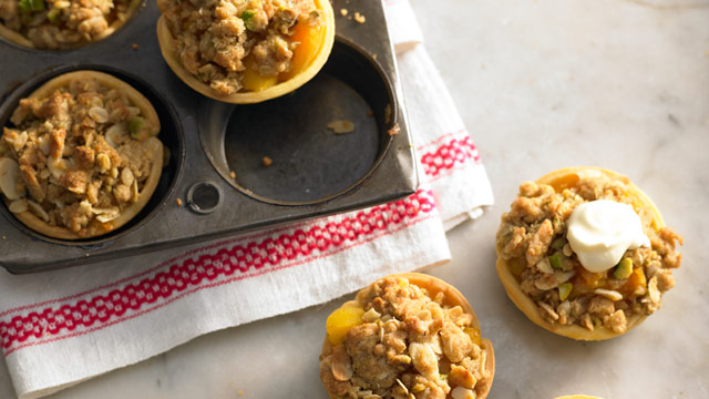 Baby spiced apricot crumbles