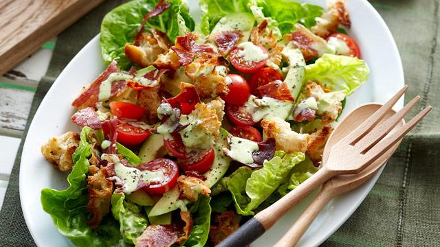 Crunchy BLT salad